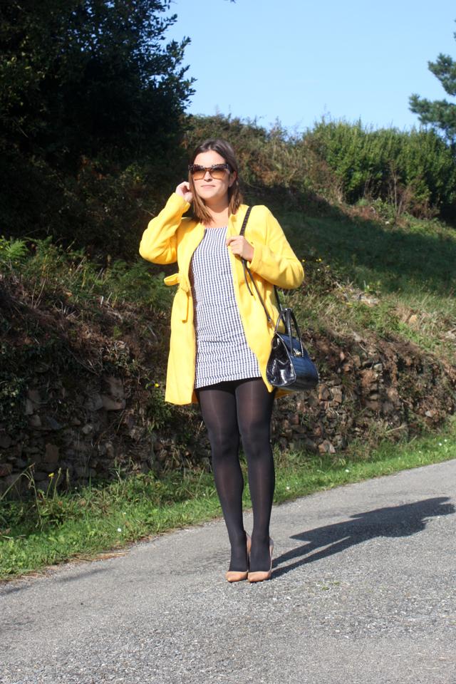 abrigo-amarillo-y-vichy