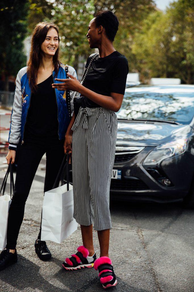 street_style_paris_fashion_week_balenciaga_valentino_givenchy_138743160_800x