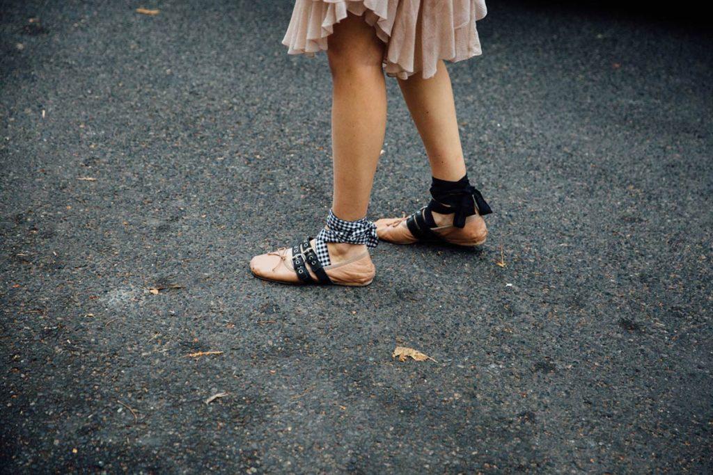 street_style_paris_fashion_week_isabel_marant_chloe_balmain_325169499_1200x