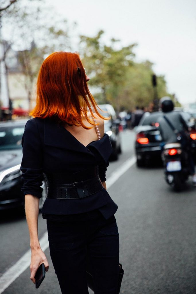 street_style_paris_fashion_week_loewe_christian_dior_360545615_800x