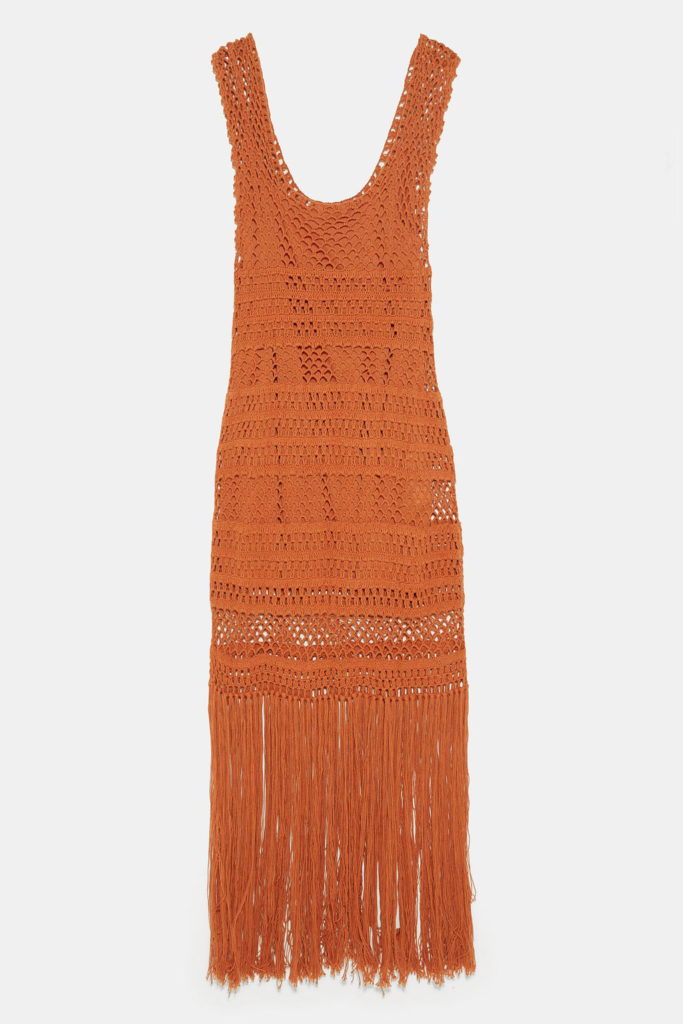Vestido crochet zara en color caldera con flecos en el bajo