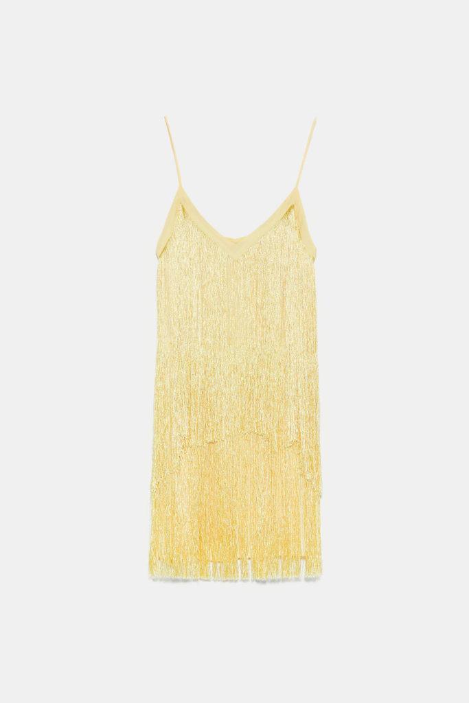 Vestido de tirantes y flecos en amarillo limón de Zara